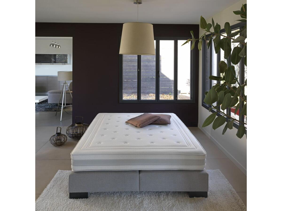 matelas mousse m moire de forme brou. Black Bedroom Furniture Sets. Home Design Ideas